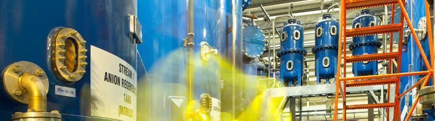 Deionisation anion regeneration tank