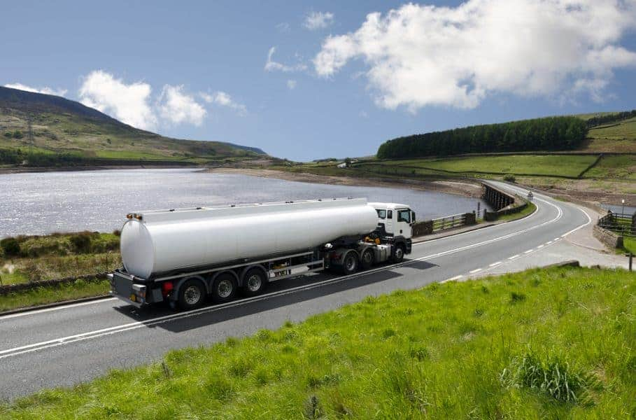 Water tanker truck containing 25000 litres of water